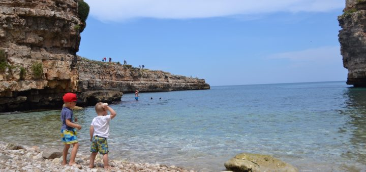 Why Travel With Kids While They Are Young