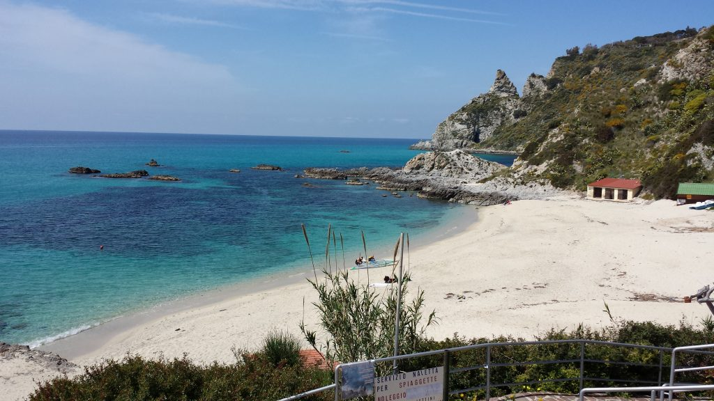 best-beaches-italy-capovaticano-calabria