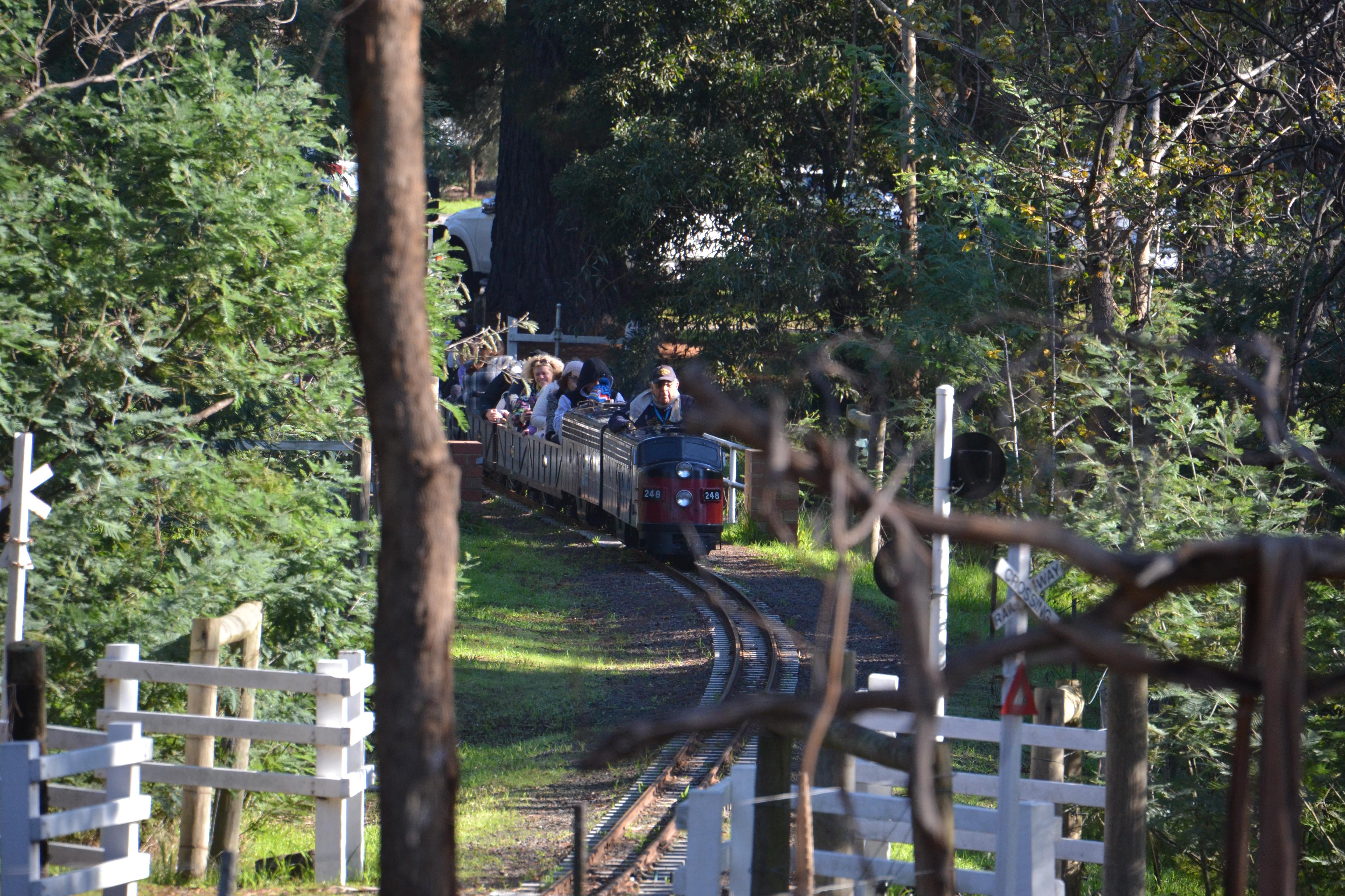 diamond-valley-miniature-railway-eltham