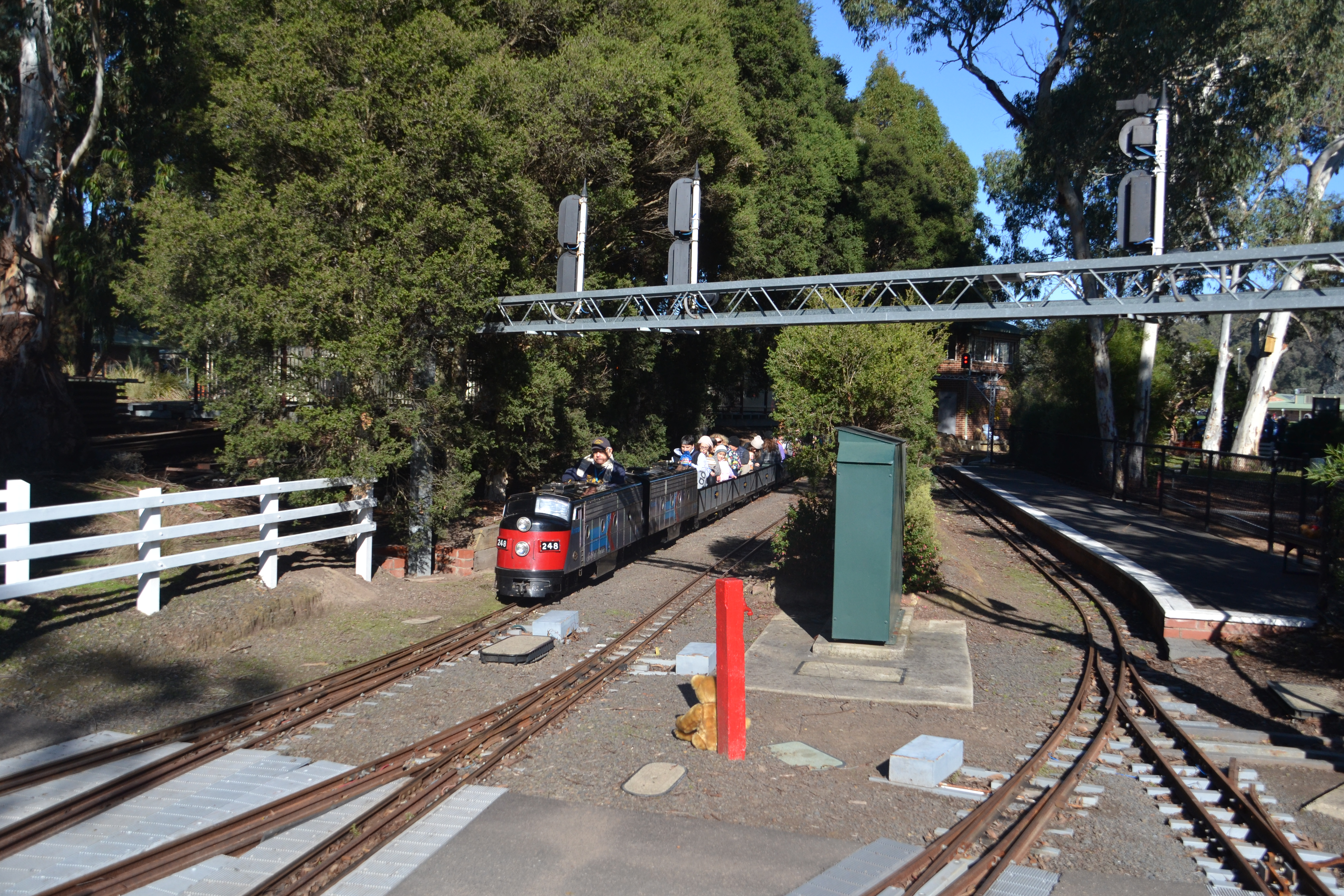 diamond-valley-miniature railway-eltham