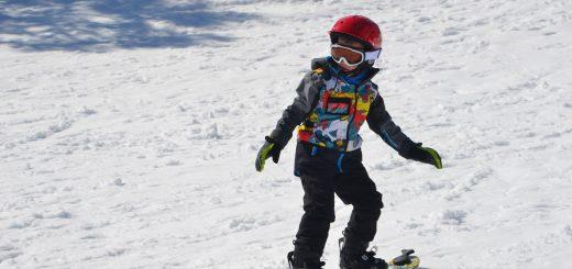 6 year old Snowboarding at Lake Mountain