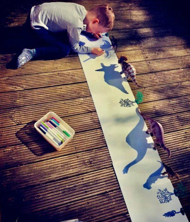 kids activities shadow drawing